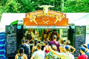 Carlito Burrito foodtruck op een festival