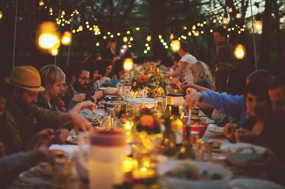 festival styling aan tafel