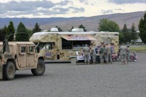 mobile canteen op een legerbasis